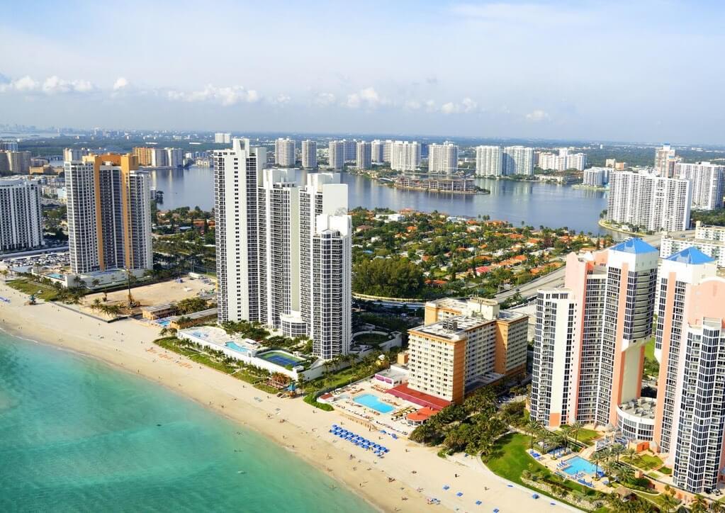 Rafa Nadal Academy USA - Tennis Camps in Miami